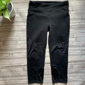 Fabletics Capri Leggings Pants